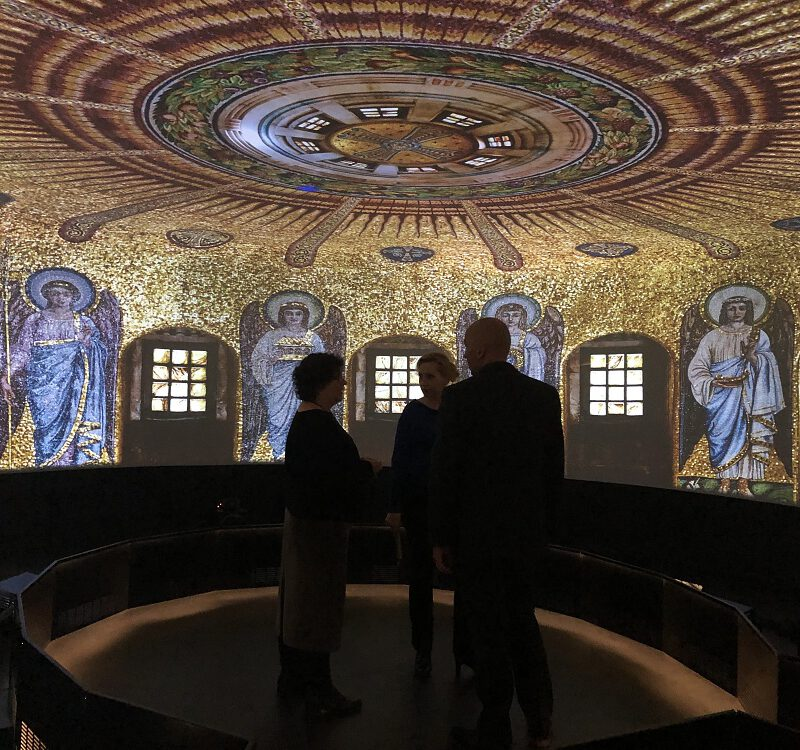 Full-dome virtual museum